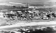 Durban Harbour showing the 'T' wharf jutting out from the docks News South Africa, Kwazulu Natal, Historical Society, Historical Photos, Live, Paris Skyline, Old Things, Pictures, Travel