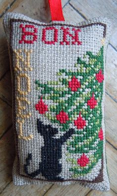 Chart for Christmas Tree Kitty Ornament