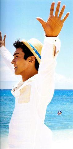 Siwon - SJ in Hawaii photobook