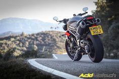 http://acidmoto.ch/cms/content/essai/2016/01/21/essai-triumph-speed-triple-r-2016-une-mise-jour-serieuse-pour-roadster-succes?page=0,2