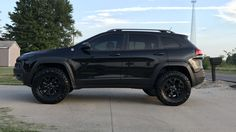 Ready for a suspension upgrade for your KL? Check out Lift Kits, Long Travel Suspension, Quick Disconnect Swaybars - all custom engineered for your 2014 - 2019 Jeep Cherokee by MFC Offroad. 2014 Jeep Cherokee Sport, Lifted Jeep Cherokee, Jeep Cherokee Limited, Jeep Grand Cherokee, Cherokee 2014, Cherokee History, Cherokee Rose, 2012 Jeep, Lifted Jeep Rubicon