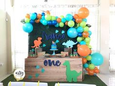 Adorable Birthday Party Ideas for Kids 118 Like, 7 Kommentare - Artsy Party Styling (. Dinasour Birthday, Dinosaur First Birthday, Boys First Birthday Party Ideas, Birthday Themes For Boys, Baby Boy First Birthday, Boy Birthday Parties, Birthday Party Decorations, Dinosaur Party Decorations, Birthday Table