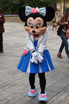 All sizes | エントランス:ミッキーの帰りを待つミニー | Flickr - Photo Sharing!