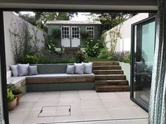 Transform your garden through design - We work with you to create stunning garden areas or outdoor rooms for homeowners in London. Garden Design London, Back Garden Design, Garden Design Plans, London Garden, Modern Patio, Modern Landscaping, Backyard Landscaping, Backyard Ideas, Patio Steps