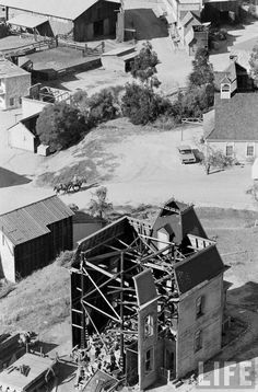 The Psycho House, 1963 1963 Life magazine aerial photo by John Dominis (thanks to Universalstonecutter) Universal City, Universal Studios, California Destinations, Los Angeles Usa, San Fernando Valley, Universal Pictures, Hollywood Studios, Behind The Scenes, Movies