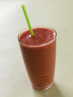 How to Make a Delicious Low-Fat Strawberry Banana Smoothie and many more things to eat to lose,,,