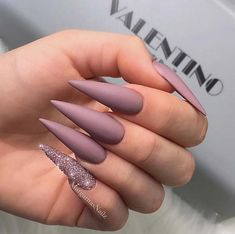 23 Greatest Gel Nail Designs to Copy in 2019 Gel Nails Matte Stiletto Nails, Glitter Gel Nails, Glam Nails, Fancy Nails, My Nails, Pretty Nails, Nagellack Design, Fire Nails, Best Acrylic Nails