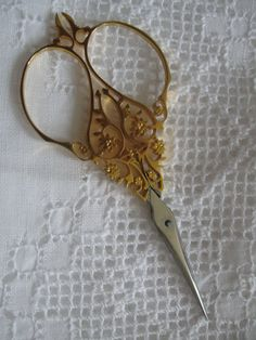 A scissor I purchased from thefrenchneedle.com
