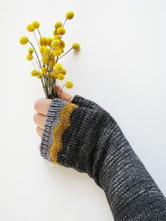 Magnificent Maroo Mitts, Pattern By Ambah O'Brien