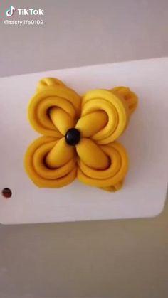 Cake Decorating Videos, Cake Decorating Techniques, Soft Bread Recipe, Fancy Food Presentation, Amazing Food Art, Beautiful Cake Designs, Pastry Design, Bread Shaping, Bread Art