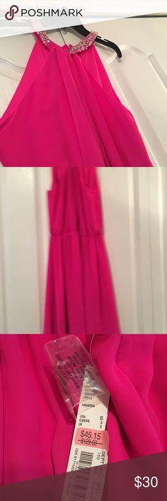 Pink party dress Giani bini pink party dress with neck detail Gianni Bini Dresses Midi