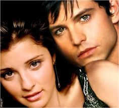 "Shiri Appleby and Jason Behr portray the characters of Liz Parker and Max Evans respectively from the tv show ""Roswell""........"
