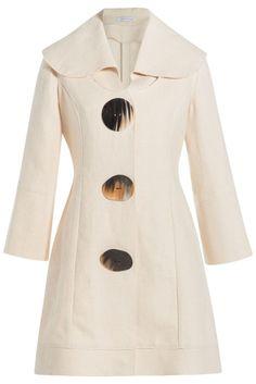 #J.W. #Anderson #Mini, #Dress aus #Hanf #, #Beige für #Damen - Leiser Minimalismus  >  das Mini > Dress mit Oversize > Knöpfen ist typisch für den Look von J.W.Anderson  >  Cremeweißer Hanf, Oversize > Knöpfe in Horn > Optik, breiter Kragen, 3/4 > Ärmel  >  Locker tailliert geschnitten  >  Stylen wir mit Flats und einem Oversize > Hut