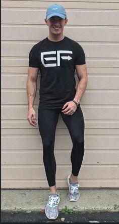 Mens activewear, lycra men и gym outfit men. Sport Fashion, Fitness Fashion, Mens Fashion, Mode Masculine, Looks Academia, Gym Outfit Men, Superenge Jeans, Lycra Men, Diy Mode