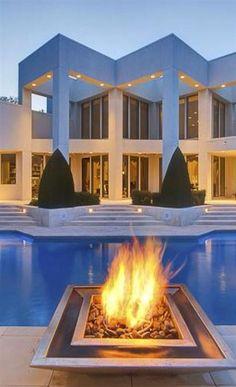 105 Cool Luxury Mansions Peter Pedro Loewen 102 398 Park St  winkler MB R6W 0C2 Canada Canadian