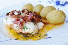 Ljuvligmat.se - en mat- och bakblogg - Ugnsbakad torskrygg med soltorkade tomater och bacon