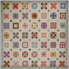 Every Stitch: Lucy Boston finished Patchwork of the Crosses, English paper piecing with lots of fussy cutting: lovely! Quilting Projects, Quilting Designs, Quilting Ideas, Cross Quilt, Sampler Quilts, Hexagon Quilt, Antique Quilts, English Paper Piecing, Machine Quilting