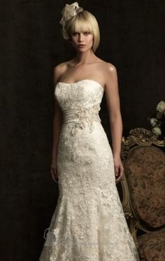 Ivory Button Wedding Gowns With Lace Beads