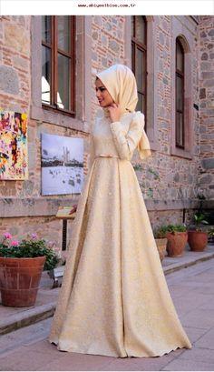 Golden Brocade Evening Dress to is to Source by fatihkrcn Hijab Prom Dress, Hijab Gown, Muslimah Wedding Dress, Hijab Evening Dress, Muslim Wedding Dresses, Muslim Dress, Prom Party Dresses, Islamic Fashion, Muslim Fashion