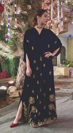 Shadi Dresses, Pakistani Formal Dresses, Pakistani Wedding Outfits, Pakistani Dress Design, Bridal Outfits, Indian Dresses, Bridal Dresses, Pakistani Designers, Party Wear Dresses