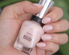 Sally Hansen Salon Complete Manicure nude nail polish swatches and thoughts, including new Canadian exclusive. Mani Pedi, Nail Manicure, Manicure Ideas, Natural Color Nails, Best Drugstore Mascara, Stealing Beauty, Sally Hansen Nails, Pink Nail Polish, Nude Nails
