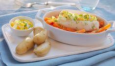 Det er en grunn til at tradisjonsrike oppskrifter er blitt nettopp det – og den grunnen er smaken. Ovnsbakt torsk med eggesmør og gulrot er en ny variant av en klassiker. Baked Potato, Cod, Seafood, Potatoes, Eggs, Lunch, Fish, Baking, Dinner