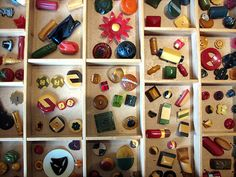 Bakelite buttons #bakelite #buttons #vintage #collection