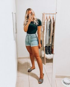 Cute Casual Outfits, Simple Outfits, Stylish Outfits, Summer Outfits, Jean Short Outfits, Look Con Short, Looks Vintage, New Trends, Mini Skirts