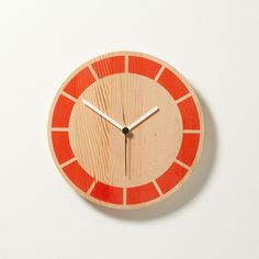Segmented Primary Clock by David Weatherhead and GOODD. I dont know if I like this color better or the Pistachio one...