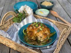 Bakt blomkål med melkefri tzatziki Tzatziki, Tahini, Quinoa, Muffin, Meat, Chicken, Breakfast, Food, Morning Coffee