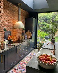 Brick Interior, Interior Desing, Kitchen Interior, Kitchen Decor, Kitchen Design, Kitchen Living, Home Living Room, New Kitchen, Kitchen Images
