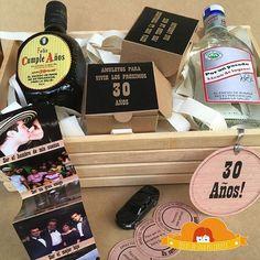 Un cumpleaños número 30 se añeja y bebe gota a gota para guardar los recuerdos y pedir otros 30 años más. #Love #Regalos #Detalles #Amor #Novios #IdeasOriginales - www.ideaspelirroja.com / 3175016862