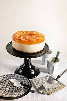Orange Mousse Cake - María Lunarillos is an online shop for confectionery, fondant, molds, cookie cutters … - Cheesecake Factory Recipes, Chocolate Cheesecake Recipes, Gluten Free Cheesecake, Homemade Cheesecake, Easter Cheesecake, Cheesecake Bites, Pumpkin Cheesecake, Cupcake Recipes, Dessert Recipes