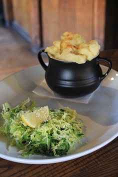 Posted on Cityloque THE PARROT GASTROPUB The Parrot is a traditional gastropub you'll love. They even have a ghost upstairs! Fish Pie, Food Reviews, Canterbury, Broccoli, Parrot, Lunch, Traditional, Vegetables, Parrot Bird