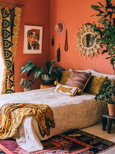 Bohemian bedroom decor has become one of the most coveted aesthetics on Pinteres… - Vintage Bohemian Home Bohemian Bedroom Decor, Bohemian Interior, Home Decor Bedroom, Bedroom Ideas, Bedroom Designs, Bohemian Apartment, Bedroom Curtains, Boho Room, Bedroom Plants