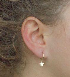 Gold star hoops - minimal huggie hoop earrings - dainty gold huggies - star hoop earrings - trendy hoop earrings - dainty star earrings