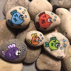 Turtle Painting, Pebble Painting, Pebble Art, Stone Painting, Stone Crafts, Rock Crafts, Diy Arts And Crafts, Diy Crafts To Sell, Rock Painting Patterns