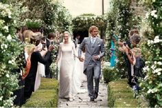 Beatrice Borromeo and Pierre Casiraghi . Giorgio Armani emphasizes with understated elegance the charm of Beatrice Borromeo in her most important day . Beatrice Borromeo, Armani Gowns, Valentino Gowns, Civil Ceremony, Wedding Ceremony, Wedding Gowns, Wedding Outfits, Royal Brides, Royal Weddings
