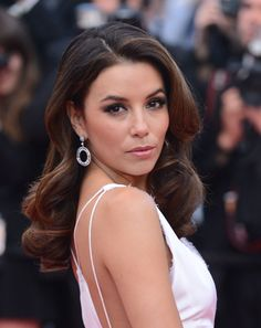 At the 2012 Cannes Film Festival Eva Longoria wore her dark locks in soft, voluminous curls.