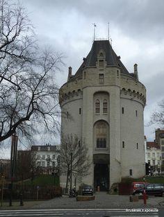 Bruselas Exposure: Porte de Hal - Café Maison du Peuple