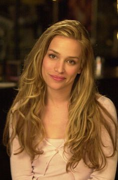 "Piper Perabo as Violet ""Jersey"" Sanford from ""Coyote Ugly"" (2000)"