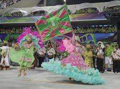 Carnaval 2012 - Mestre-sala e Porta-bandeira da Mangueira, Sambódromo do Rio de Janeiro.