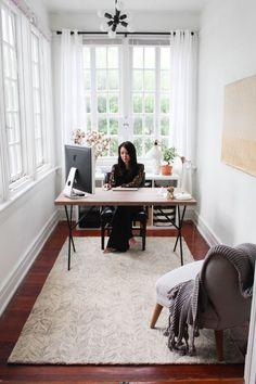 Want to have a comfortable home office to improve your productivity? Yaa, home office is a very important room. Here are some inspirations Home office design ideas from us. Tiny Office, Small Space Office, Home Office Space, Office Workspace, Home Office Design, Home Office Decor, Small Spaces, House Design, Home Decor
