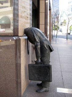 Corporate Head, Ernst & Young Building, Los Angeles, California 40 Unusual and Creative Statue and Sculpture Art – Part 1 Street Art, Urbane Kunst, Unusual Art, Outdoor Art, Land Art, Art Plastique, Public Art, Urban Art, Art And Architecture