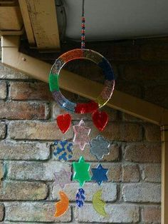 Melted beads wind chimes Melted Bead Crafts, Pony Bead Crafts, Wire Crafts, Baby Crafts, Fun Crafts, Diy And Crafts, Crafts For Kids, Pony Bead Projects, Art Projects
