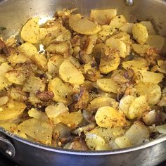Home fries with lots of garlic and potato flavor - a big hit every time! Hash Brown Patties, Shredded Potatoes, Home Fries, Thing 1, Fries Recipe, Food Picks, Stuffed Hot Peppers, Freezer Meals, Potato Recipes
