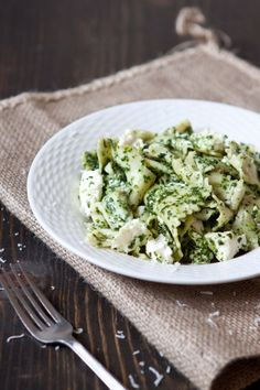 Pasta with Burrata and Kale-Roasted Garlic Sauce