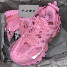 Pink Balenciaga, Balenciaga Sneakers, Dior Sneakers, Sneakers Fashion, Sneakers Nike, Sneaker Pink, Aesthetic Shoes, Hype Shoes, Louis Vuitton Shoes