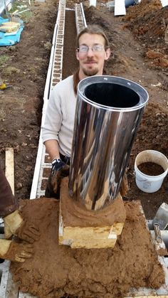 Rocket Stove Build Day 2 (92)