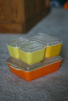 Pyrex refrigerator set. I would love a cupboard full of these!